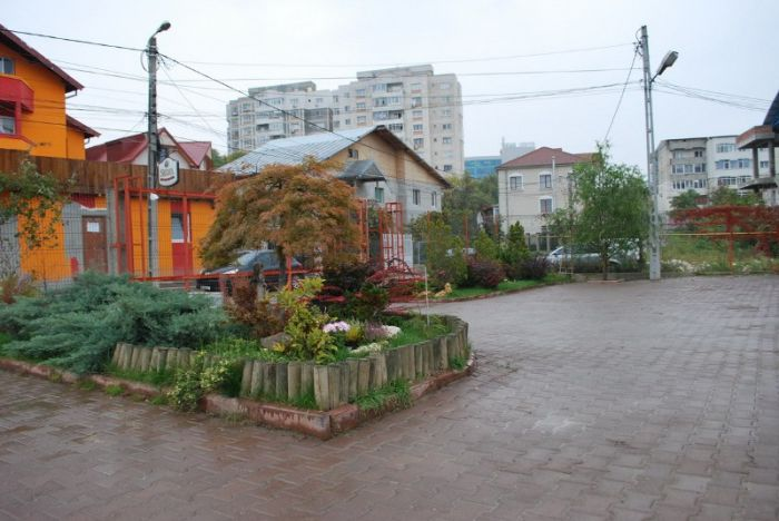 Inchiriere spatiu de 285 mp, in Tudor Vladimirescu – Iasi, 9 euro/mp